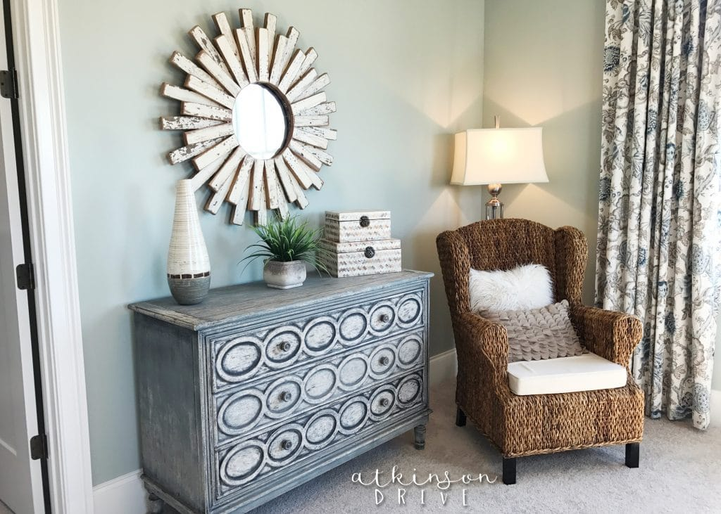 Comfortable seating area in a guest bedroom /// Woodridge Home Tour by Atkinson Drive