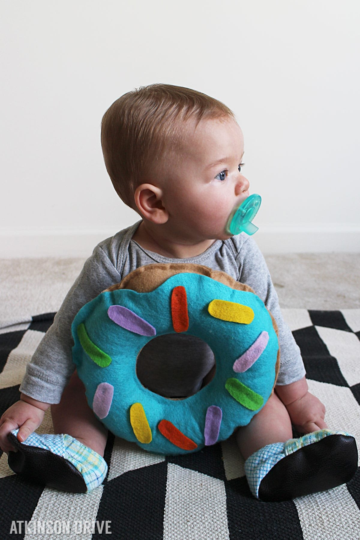 "This ""sweet"" felt donut costume is the perfect thing for your little one this Halloween! Put it together with just a little bit of time and money, and your child will be the hit of the neighborhood! /// by Atkinson Drive"