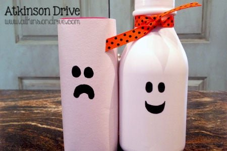 Transform your kids' lunchboxes with these easy to make, super fun, not so spooky luncbox drinks! /// by Atkinson Drive