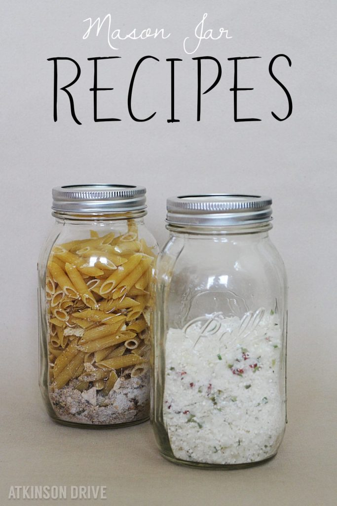 These tasty soup recipes are the perfect way to stay warm on cool Fall & Winter evenings! Make the dry mix now, and store in a mason jar for those busy nights when you don't have time to cook. /// Texas Two-Step Soup & Easy Loaded Baked Potato Soup by Atkinson Drive