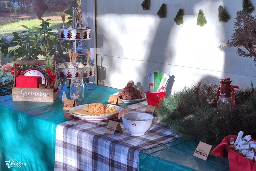 This year our boys celebrated their birthdays with a winter lumberjack birthday party ... complete with edible 'logs'! See how we made a lumberjack wonderland with these fun and whimsical ideas!