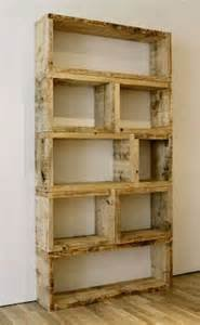Make a bookshelf using pallet wood for less than $10!